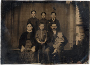 identifying-time-period-of-vintage-family-photos